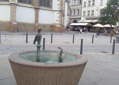 Pítko na Jakuském náměstí v Brně
