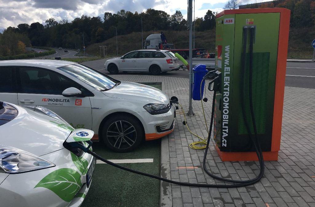 ČEZ rozšiřuje síť veřejných rychlodobíjecích stanic pro elektromobily