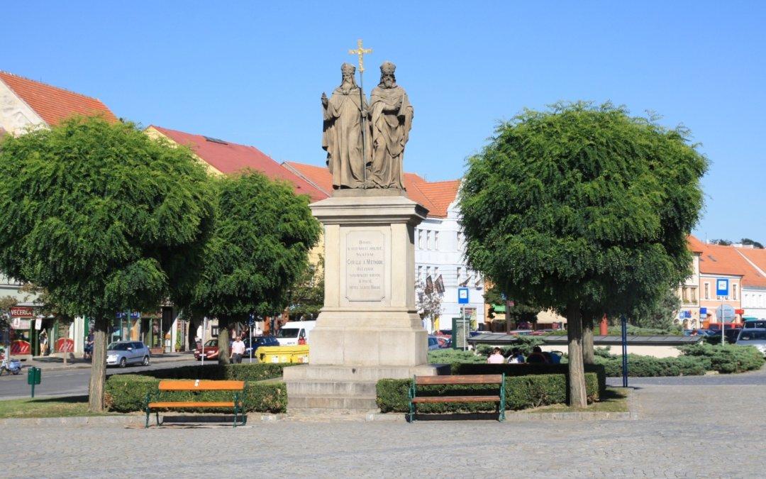 Je 5. 7. – Den slovanských věrozvěstů Cyrila a Metoděje