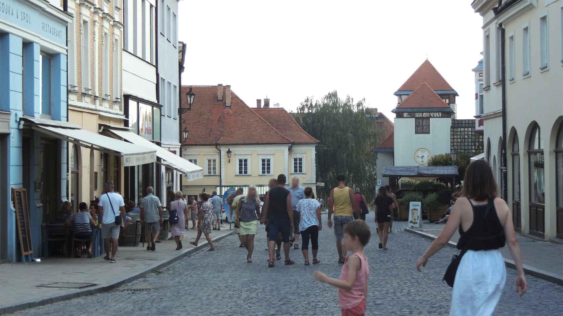 Další ulice v Mikulově - vidíte někde auta?