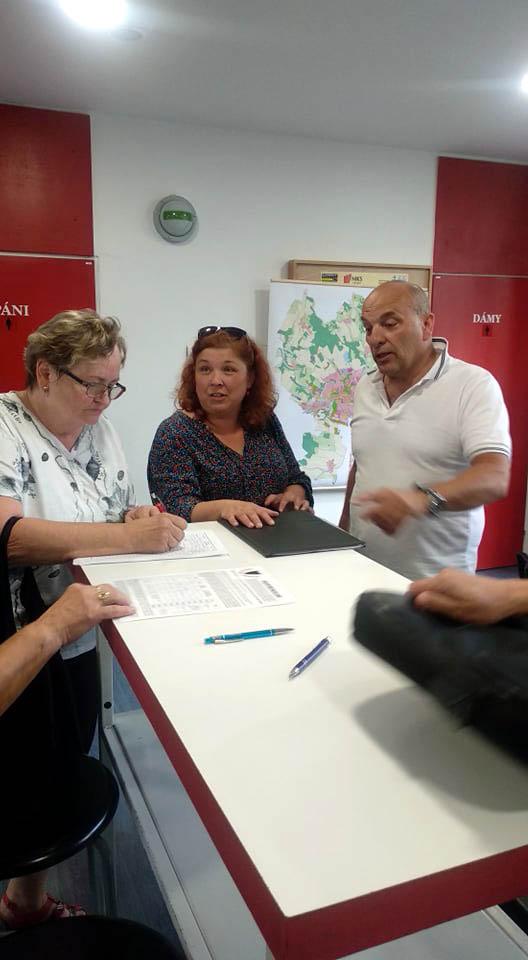 Občané spontánně podepisují věcně shodnou připomínku
