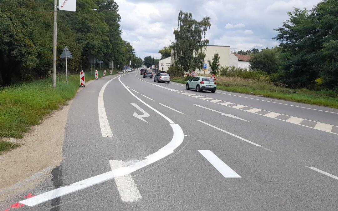 Zmatečné dopravní značení na Brněnské ulici